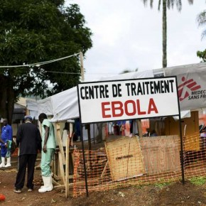 1030277_le-virus-ebola-hante-les-couloirs-du-sommet-etats-unis-afrique-web-tete-0203684101500